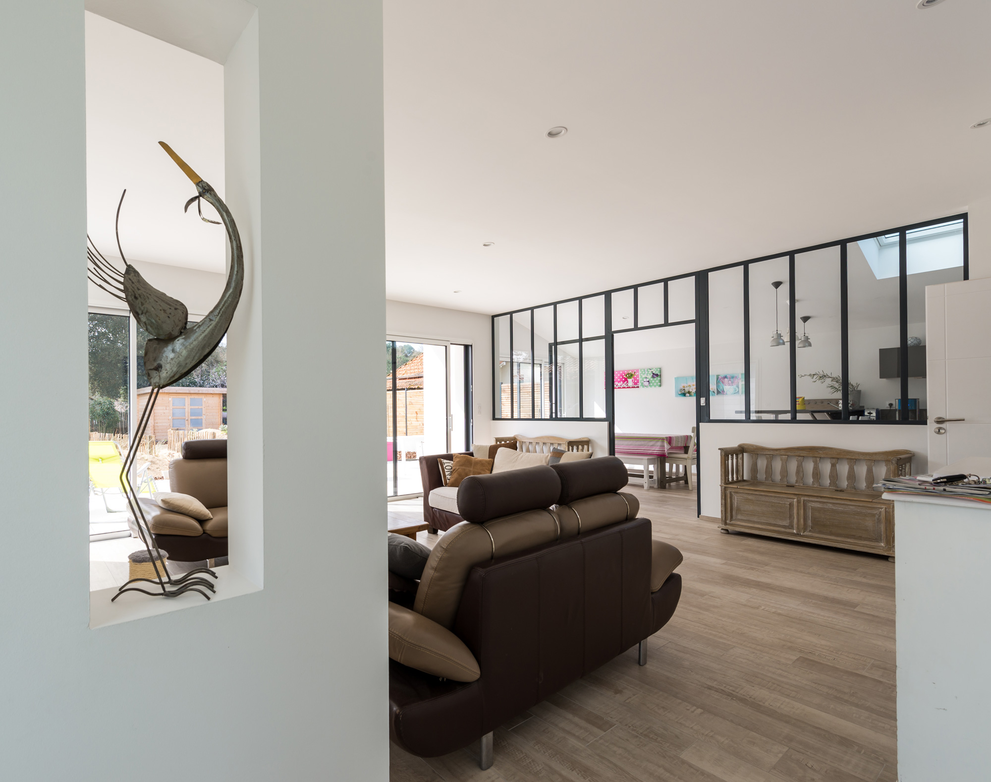 Deco maison neuve salon cuir d angle with deco maison for Decoration interieure maison neuve